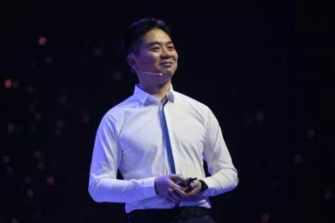 刘强东:零售业迟早会大量采用AI技术和机器人来运作